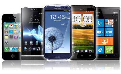 IDC: мобильные телефоны впервые уступили смартфонам