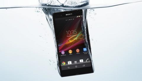 Sony представила защищенный смартфон самым большим экраном
