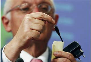 В этом году в ЕС появится единое зарядное устройство для мобильных телефонов