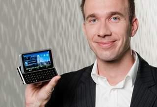 Symbian не будет заменена на MeeGo у бизнес-смартфонов Nokia